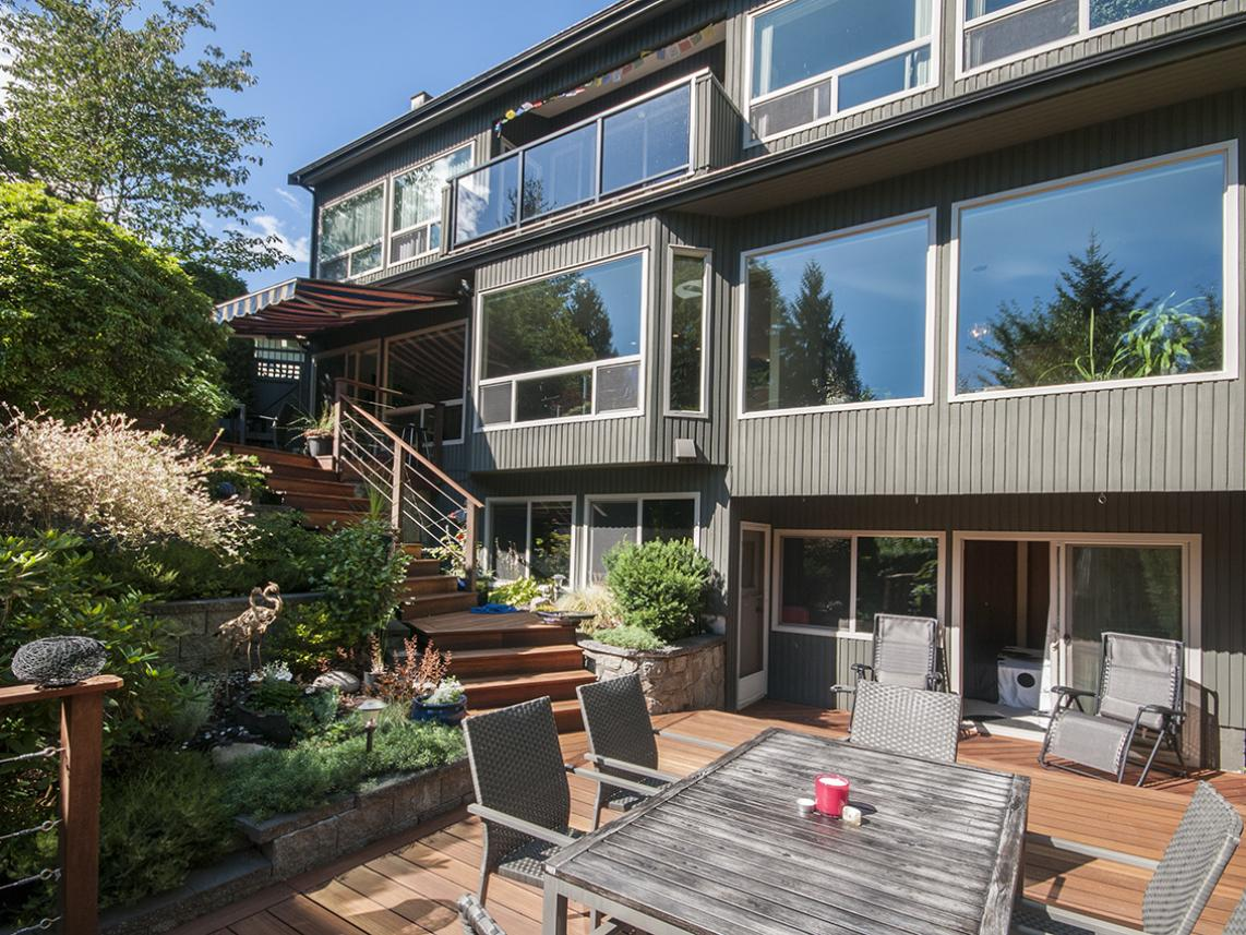 555 Palisade Drive, Canyon Heights NV, North Vancouver