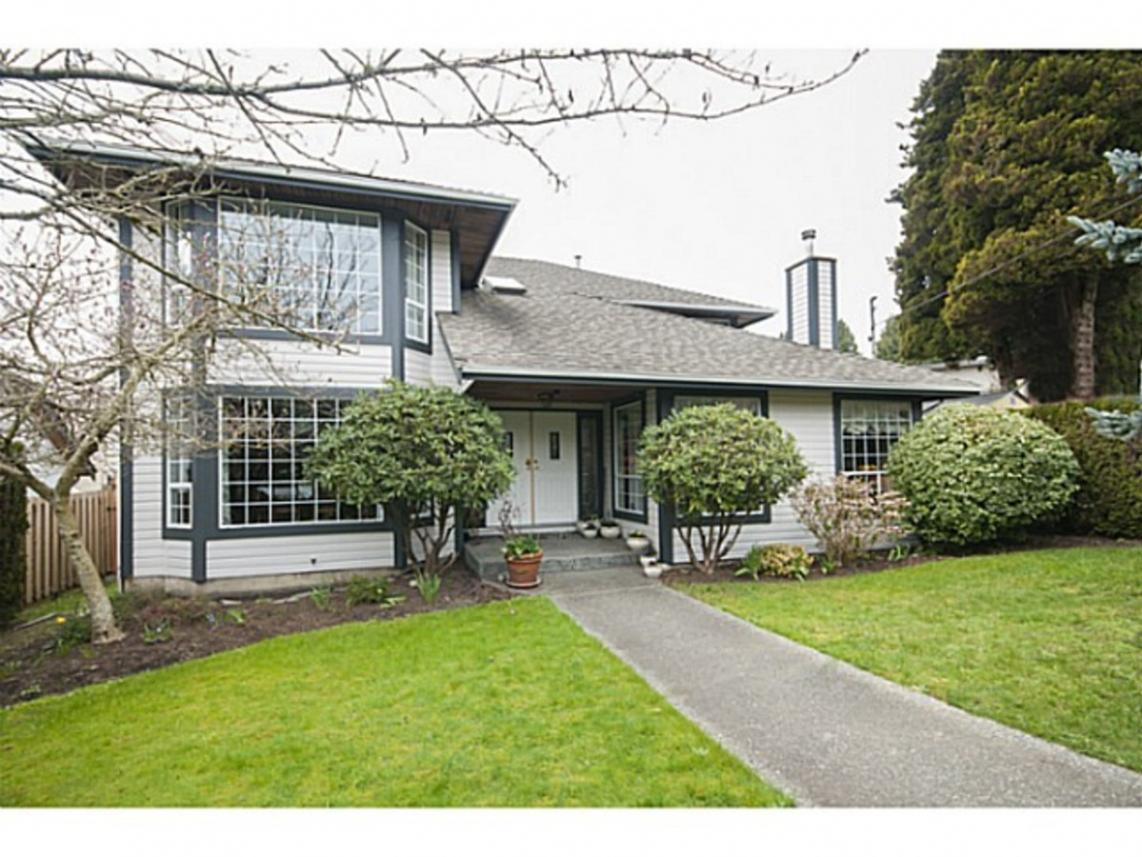 1025 13th Street, Ambleside, West Vancouver
